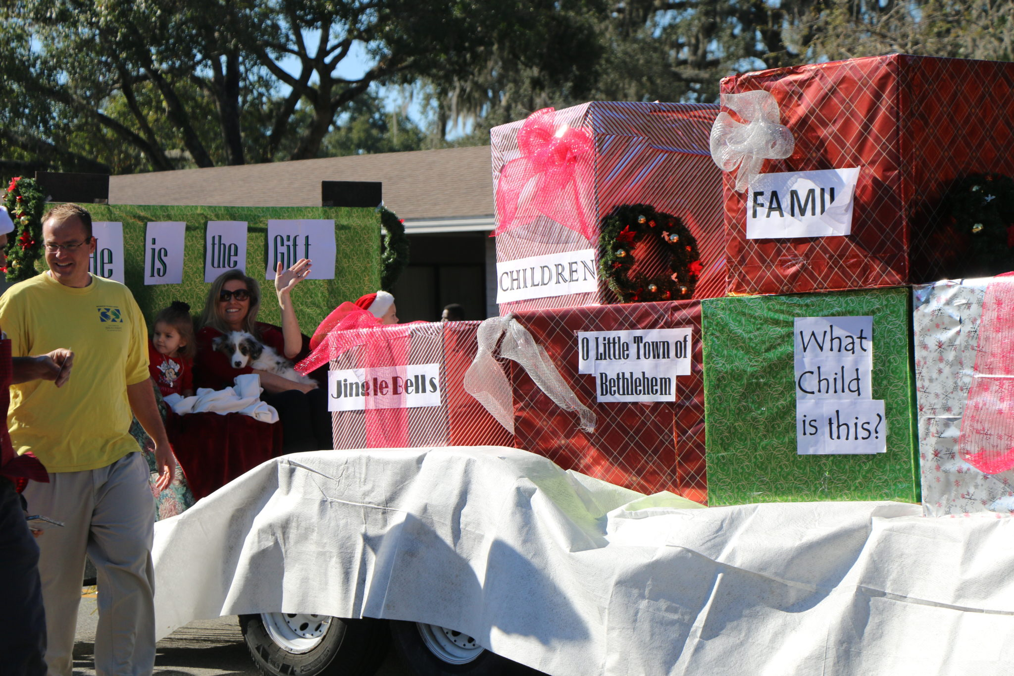 Two Apopka Christmas Parade judges are announced