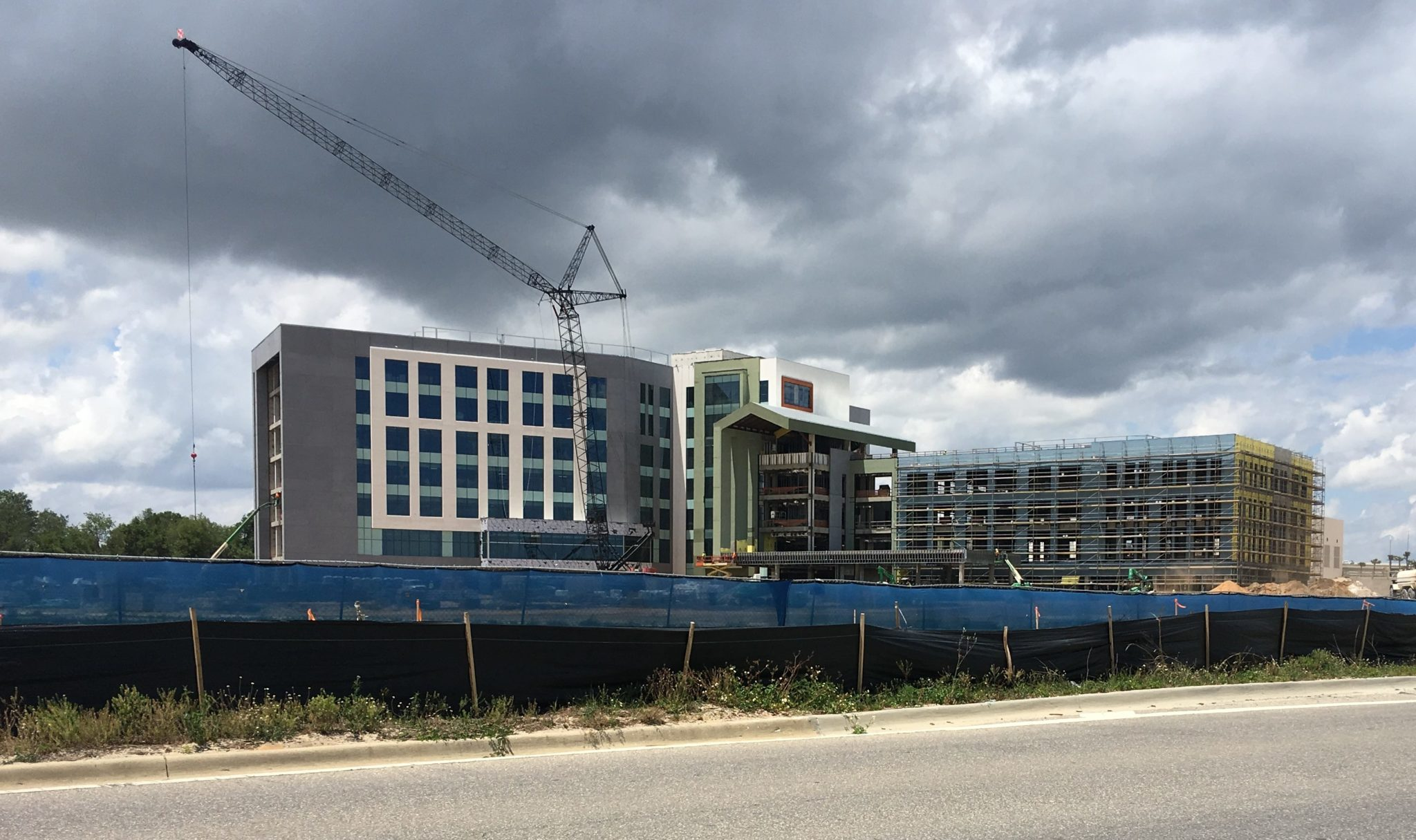 Florida Hospital is handing over building