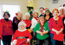 Apopka Woman's Club Christmas Carollers